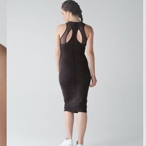 Lululemon Globe Trotter Dress NWOT Size 8